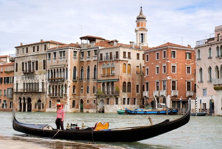 Венеция - город, построенный на лиственнице